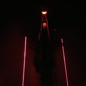 lumiere lampe vélo laser couloir lumineux